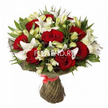 Букет из красных роз и лилий